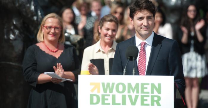 Prime Minister Justin Trudeau_woman deliver